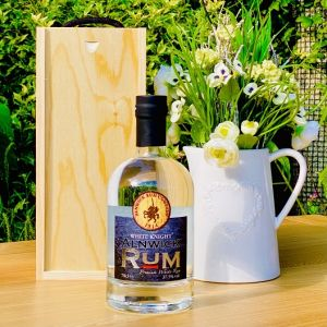 Alnwick White Knight Rum Box